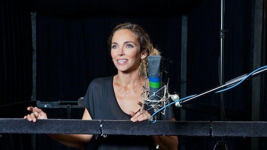 Claire Keim prête sa voix au dernier film Disney nature Au   Royaume des singes