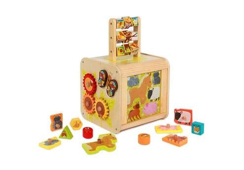 Le cube d'activités en bois