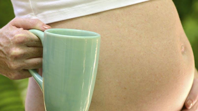 Grossesse : un à deux cafés par jour sans danger pour le   fœtus