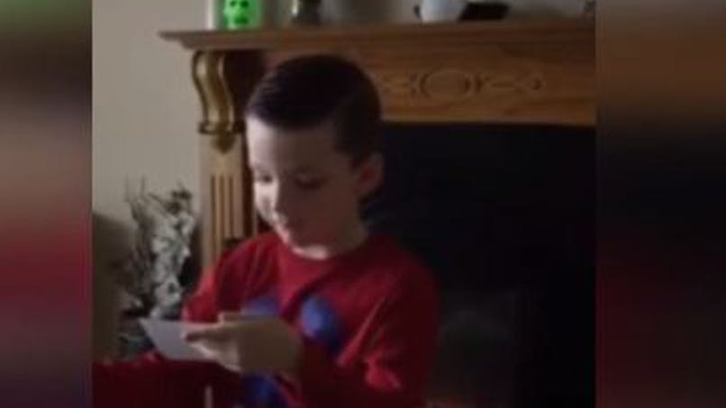 Instant émotion : la vidéo craquante d'un petit garçon qui   apprend qu'il va devenir grand frère