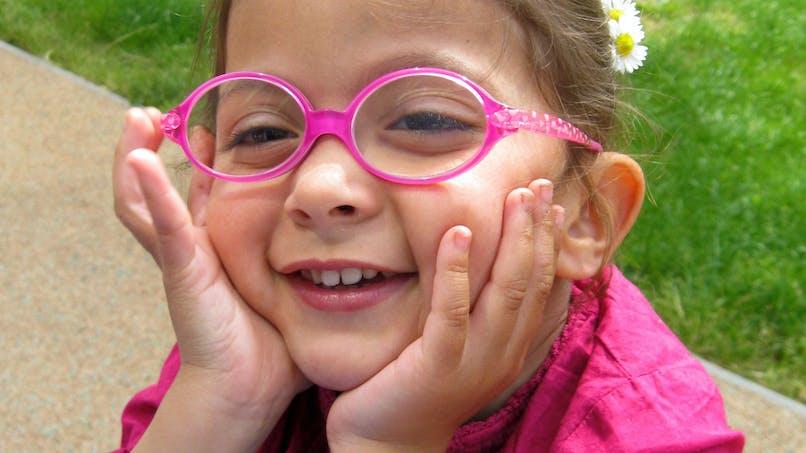 Une vente aux enchères pour que Lina, 4 ans, puisse   apprendre à marcher