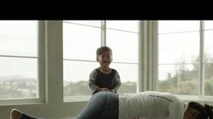 Vidéo : des enfants rendent hommage à leur mère