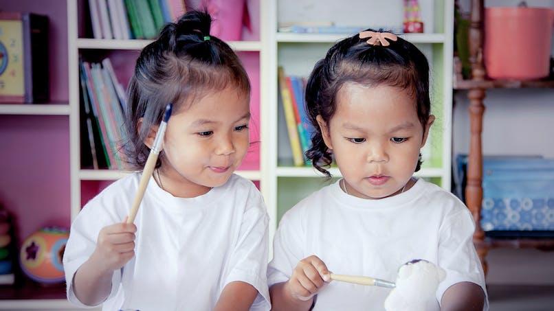 Enfants jumeaux : comment gérer le quotidien ?