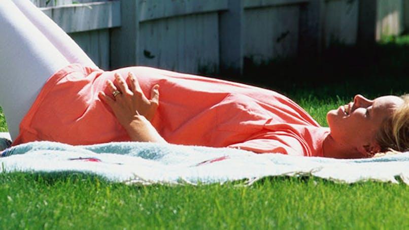 Asthme : du soleil durant la grossesse pour réduire les   risques du bébé