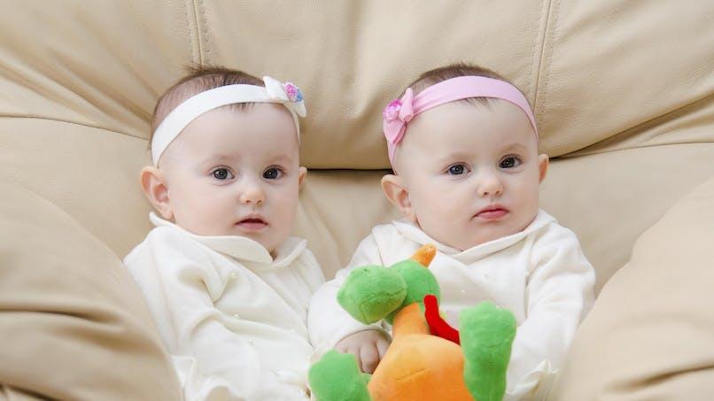 Des jumeaux sont nés à 38 jours d'intervalle