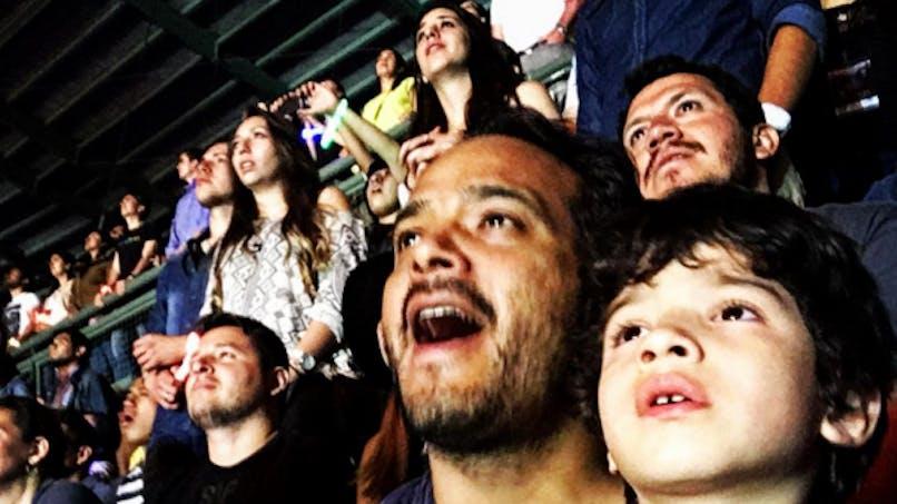 Vidéo: un petit garçon autiste bouleversé au concert   de Coldplay