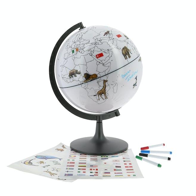 Globe drapeaux et animaux du monde