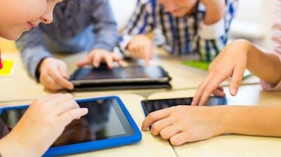 Enfants et écrans : les nouvelles recommandations de   l'Académie américaine de pédiatrie