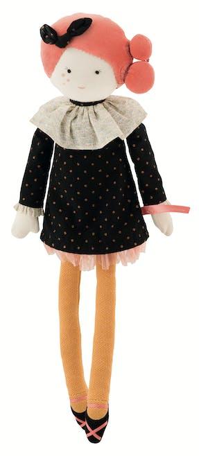 Poupée en tissu Constance Les Parisiennes, 47 cm,         Moulin Roty, 55 €. Dès 12 mois.