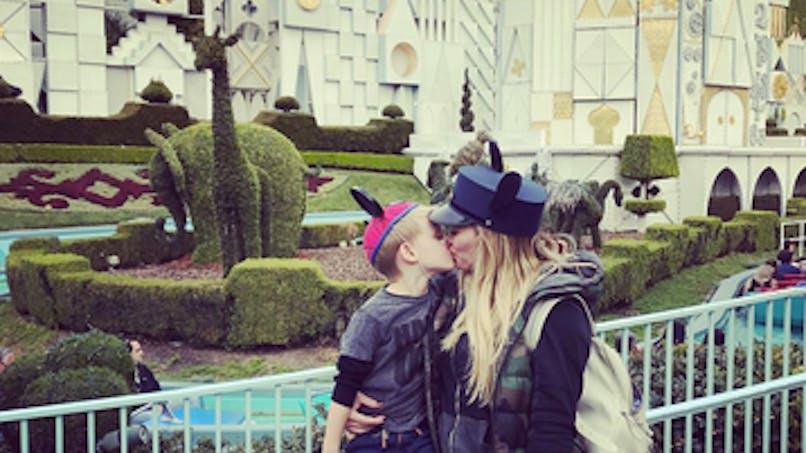Hilary Duff crée la polémique en embrassant son fils sur  la bouche (PHOTO)
