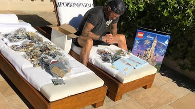 David Beckham a passé son été construire un château Disney en Lego à sa fille