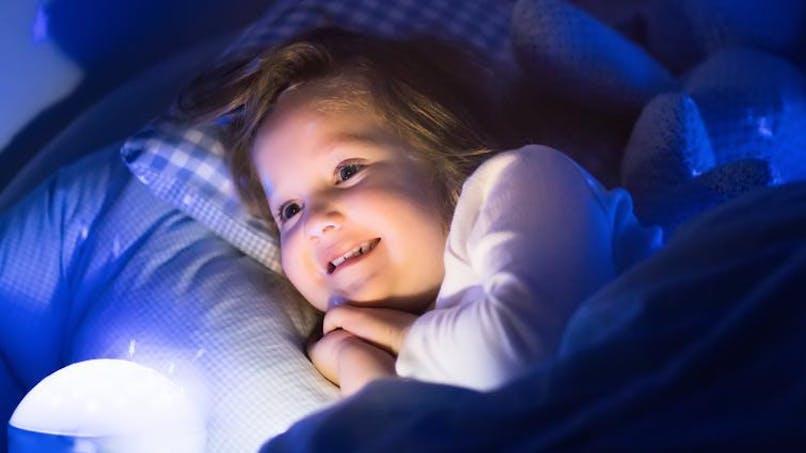 Gare aux ampoules LED pour les yeux des enfants