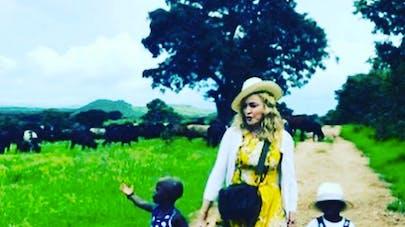 Madonna adopte