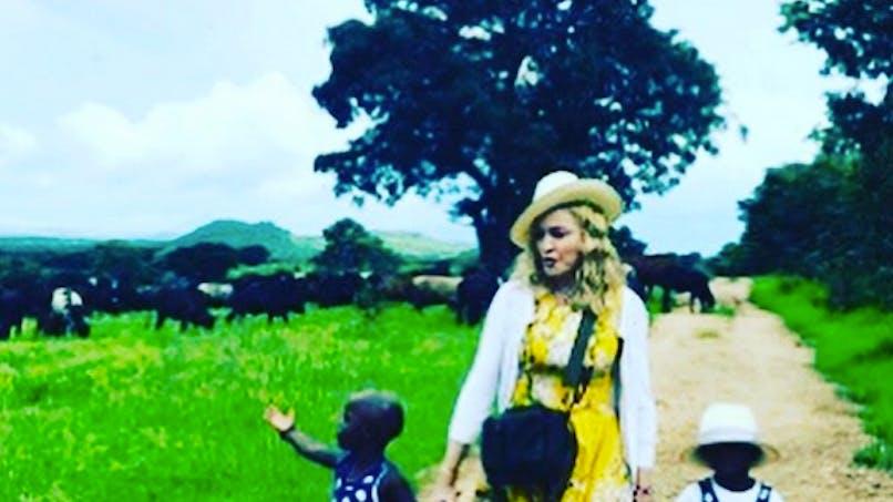 Madonna : malgré les critiques elle affiche son bonheur avec ses deux filles adoptées (photo)