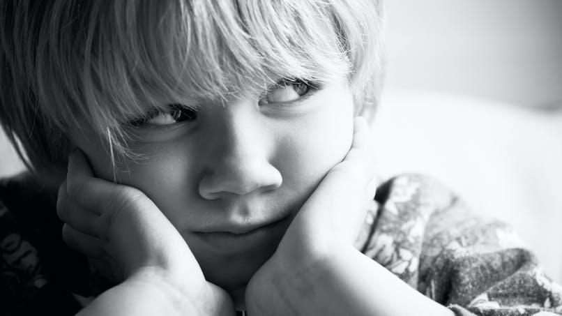 Pourquoi les enfants dépriment si jeunes ?