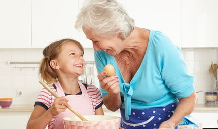 Les 5 noms préférés donnés aux grands-mères par leurs petits enfants