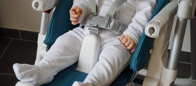 Chaise haute Prima Pappa Zero3 de Peg-Pérego - barre d'entrejambes et harnais
