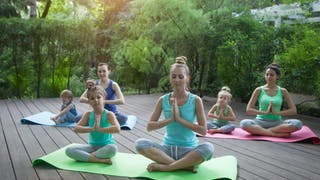 Yoga pour Bébé : une maman adepte témoigne