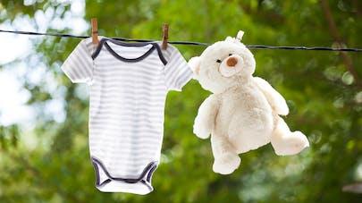 ada75ab69e372 Comment habiller bébé à la naissance