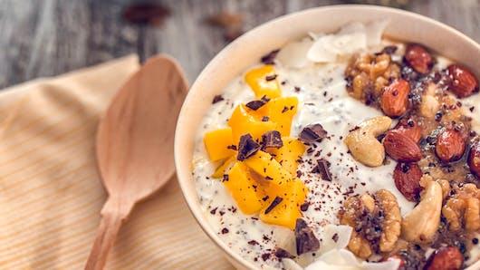 Recette du yaourt aux fruits secs et frais