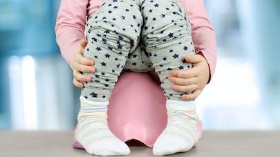 bébé sur le pot