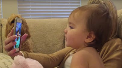 bébés discutent sur Facetime