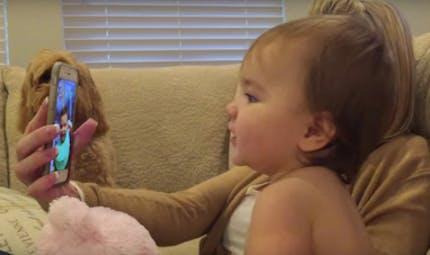 Adorable : Deux bébés discutent sur FaceTime (VIDEO)