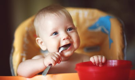 Diversification alimentaire : la santé de Bébé en jeu !