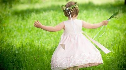 petite fille tenue de cérémonie