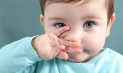 Bébé est enrhumé, comment bien le moucher ?