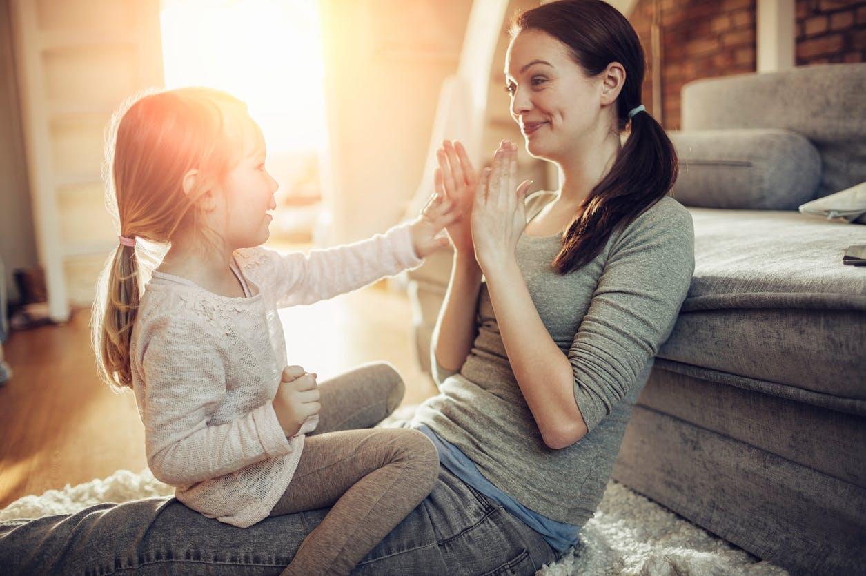 Difficultés de sortir avec une mère célibataire