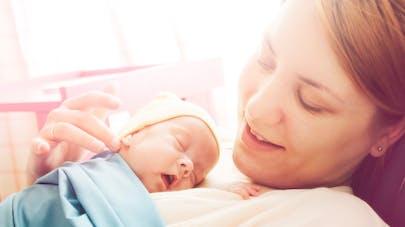 maman bébé épisiotomie