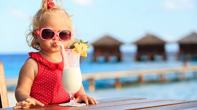 8b0e82d70a1992 Quelles lunettes de soleil pour Bébé     PARENTS.fr