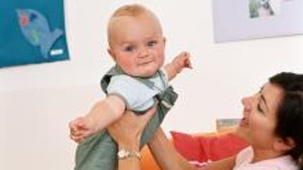 Bébé a un torticolis
