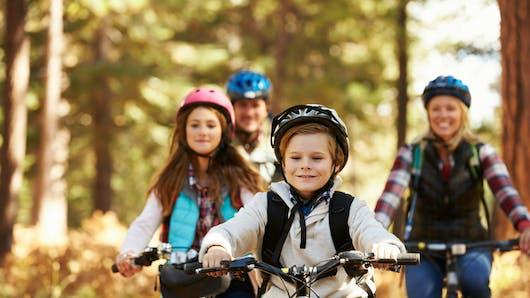 Les enfants sans casque interdits de vélo