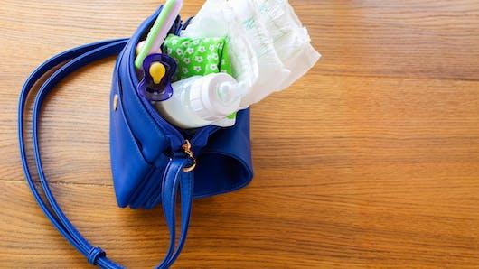 Toutes ces choses que l'on trouve dans le sac à main d'une maman!