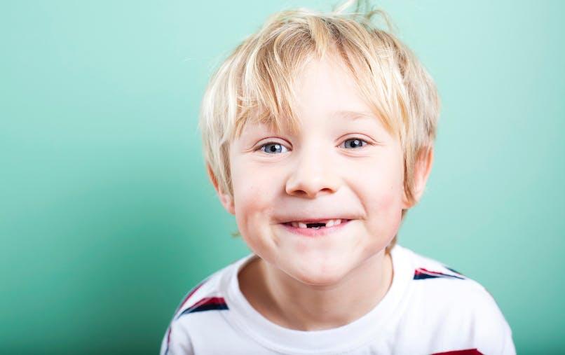 enfant dent cassée