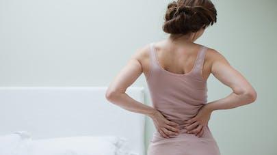 femme douleur dos