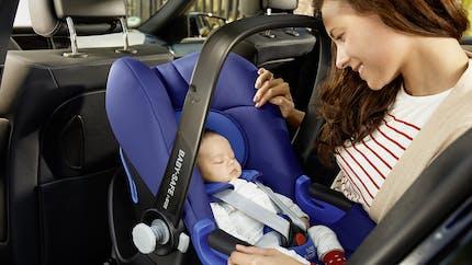 Bébé en voiture : pas de compromis sur la sécurité !