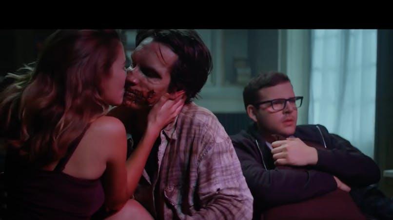 Trop drôle: deux pubs nous rappellent que la vie de couple, ça se travaille un minimum! (VIDEOS)