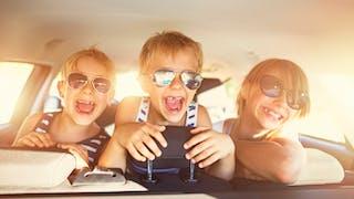 enfants heureux vacances