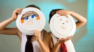 enfants masques assiettes