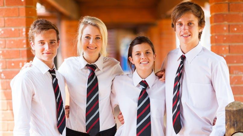 Le port de la jupe pour les garçons autorisé dans une école privée londonienne