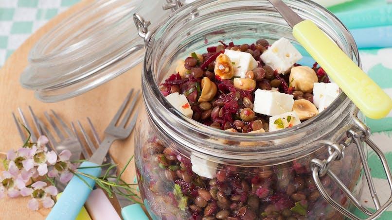 Salade de lentilles vertes du Puy, dés de feta et vinaigrette au miel
