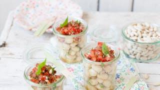Verrines de mogettes, tartare de thon et tomate