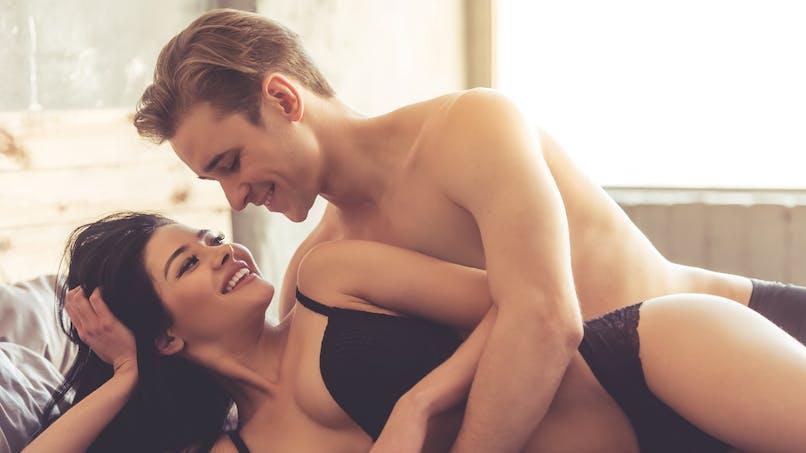 Et si les hommes aussi simulaient l'orgasme?