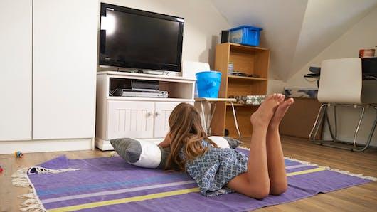 La TV dans la chambre des enfants accroît le surpoids de 30 %