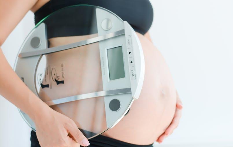 femme enceinte et sa balance