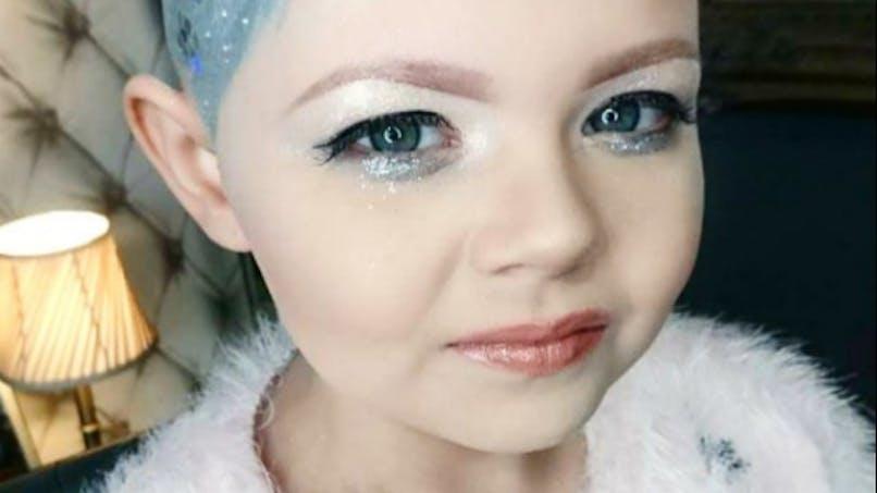 Une petite fille atteinte d'un cancer s'inspire du look de Cara Delevingne
