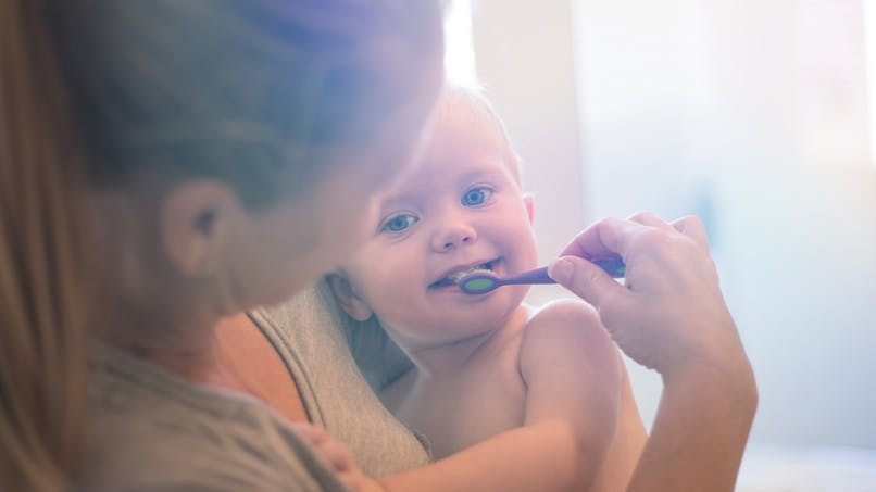 Apprendre à son enfant à se brosser les dents